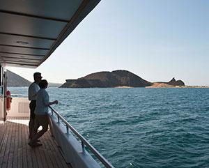 galapagos cruise corridor