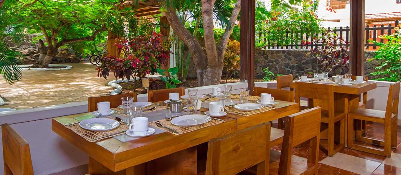 galapagos lodge dining area