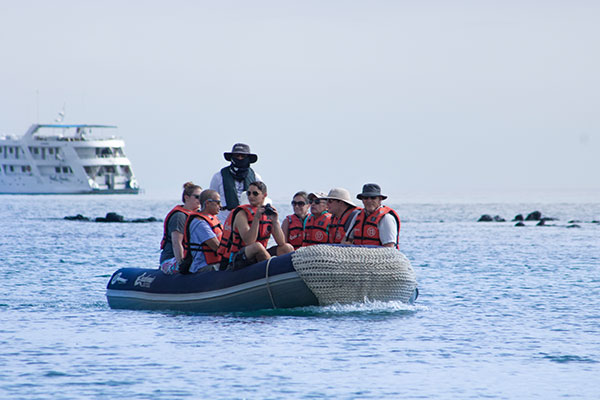 galapagos rubber boat and cruise